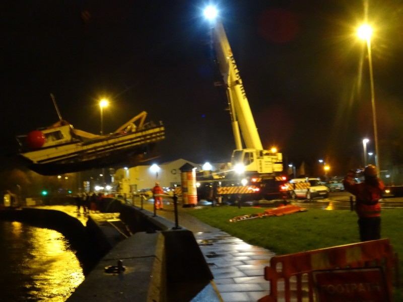 Recovery of a sunken craft in Great Yarmouth