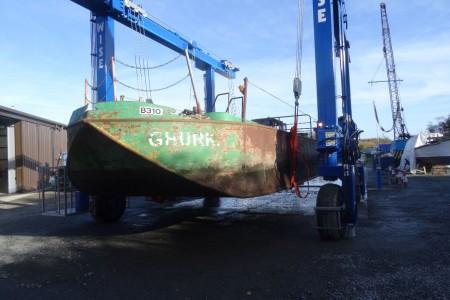 coxs-boat-crane